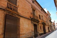 Vieille façade colorée et majestueuse de maison en Caravaca de la Cruz, Murcie, Espagne Image stock