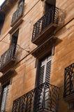 Vieille façade de bâtiment à Vérone, Italie Photos stock