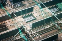 Vieille façade de bâtiment en construction Image libre de droits
