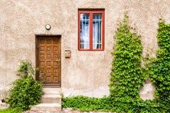 Vieille façade de maison photo libre de droits