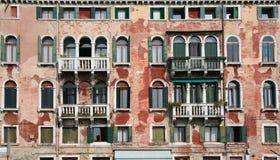 Vieille façade de Venise image libre de droits