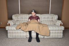 Vieille femme agée supérieure triste et seule Image stock