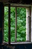 Vieille fenêtre cassée photographie stock
