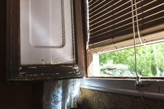 Vieille fenêtre d'une ferme Photographie stock