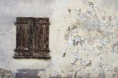 Vieille fenêtre en bois Image libre de droits