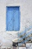 Vieille fenêtre grecque Image stock