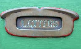 Vieille fente en laiton de lettre Photos stock