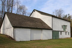 Vieille ferme blanche Photographie stock libre de droits