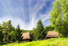 Vieille ferme de région carpathienne Photo stock