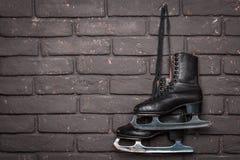 Vieille figure noire patins de glace Image libre de droits
