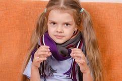 Vieille fille de cinq ans malade Image libre de droits