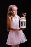 Vieille fille de cinq ans recherchant un miracle Image stock