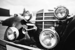 Vieille fin de phare de voiture de vintage  Pékin, photo noire et blanche de la Chine Photos stock