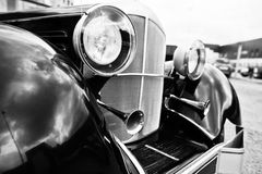 Vieille fin de phare de voiture de vintage  Pékin, photo noire et blanche de la Chine Image libre de droits