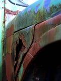 Vieille fin rouillée de voiture  Photo stock