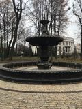 Vieille fontaine à Kiev image stock