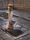Vieille fontaine. Photos libres de droits