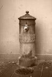 Vieille fontaine en Greve Images libres de droits