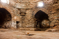 Vieille forteresse en pierre et hôtel antique Tash Rabat, Kirghizistan Images libres de droits