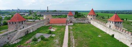 Vieille forteresse sur la rivière le Dniestr dans la cintreuse de ville, le Transnistrie images libres de droits