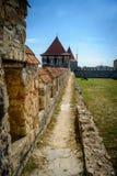 Vieille forteresse sur la rivière le Dniestr dans la cintreuse de ville, le Transnistrie Ville dans les frontières de Moldau dess photos stock
