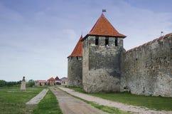 Vieille forteresse sur la rivi?re le Dniestr dans la cintreuse de ville image libre de droits