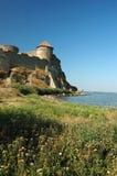 Vieille forteresse sur le côté de fleuve Image libre de droits