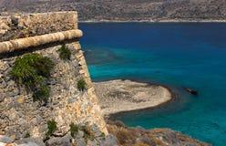 Vieille forteresse sur une montagne au viev de dessus de Gramvousa Image libre de droits