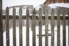 Vieille frontière de sécurité en bois Image stock