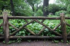 Vieille frontière de sécurité en bois Images libres de droits