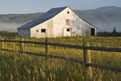 Vieille grange photographie stock libre de droits