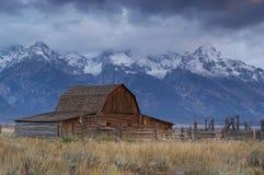 Vieille grange abandonnée Photo libre de droits