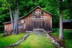 Vieille grange au village de Millbrook, à l'eau Gap du Delaware national au sujet de photos stock