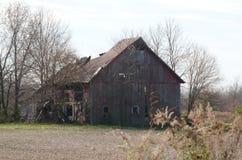 Vieille grange dans l'automne Photo stock
