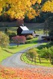 Vieille grange dans le côté rural du Vermont photographie stock