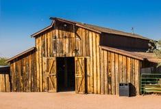 Vieille grange dans le désert de l'Arizona Images stock