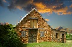 Vieille grange en pierre Photographie stock libre de droits
