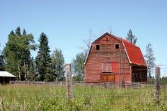 Vieille grange rouge Photographie stock libre de droits
