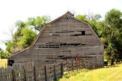 Vieille grange sur les plaines Image stock