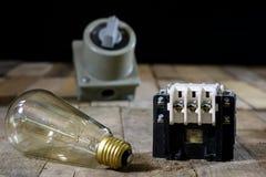 Vieille haute tension de prise et de prise Vieux accessoires électriques OE Image libre de droits