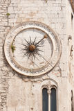 Vieille horloge de fente Image libre de droits