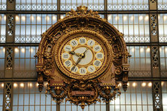 Vieille horloge de station de train Image libre de droits