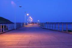 Vieille jetée de Coffs Harbour la nuit photographie stock