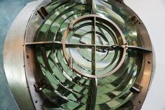 Vieille lampe de phare avec la lentille, plan rapproché Images libres de droits