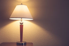 Vieille lampe de table de mode Image stock
