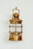 Vieille lampe en bronze image stock