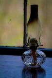Vieille lanterne sur la table Photos stock