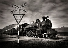 Vieille locomotive à vapeur de mode en noir et blanc image libre de droits