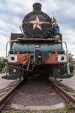 Vieille locomotive à vapeur rouillée Photo stock