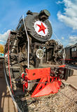 Vieille locomotive à vapeur russe avec l'étoile Photographie stock libre de droits